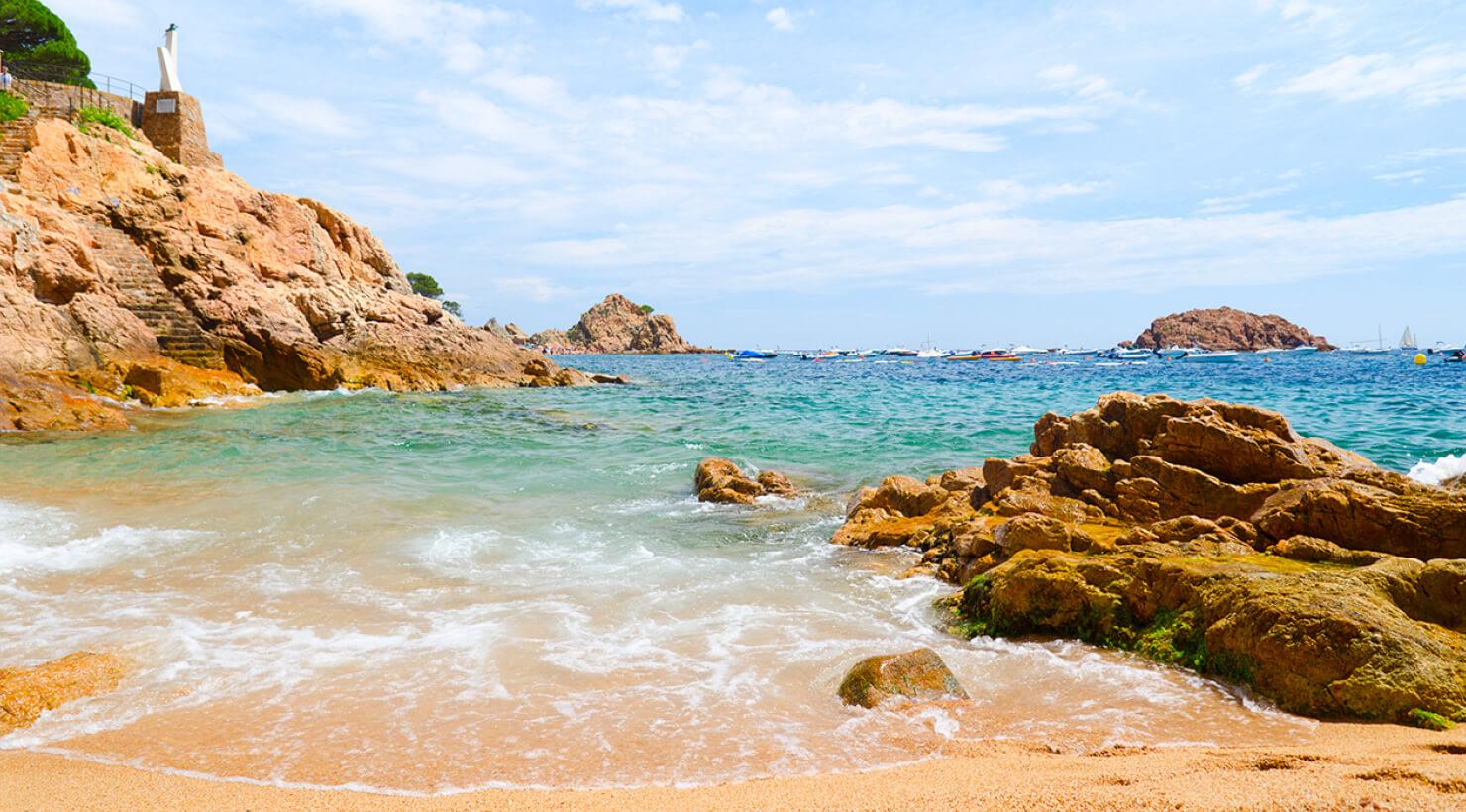 Costa girona playa apartamentos y casas de alquiler en la costa brava - Casa playa costa brava ...